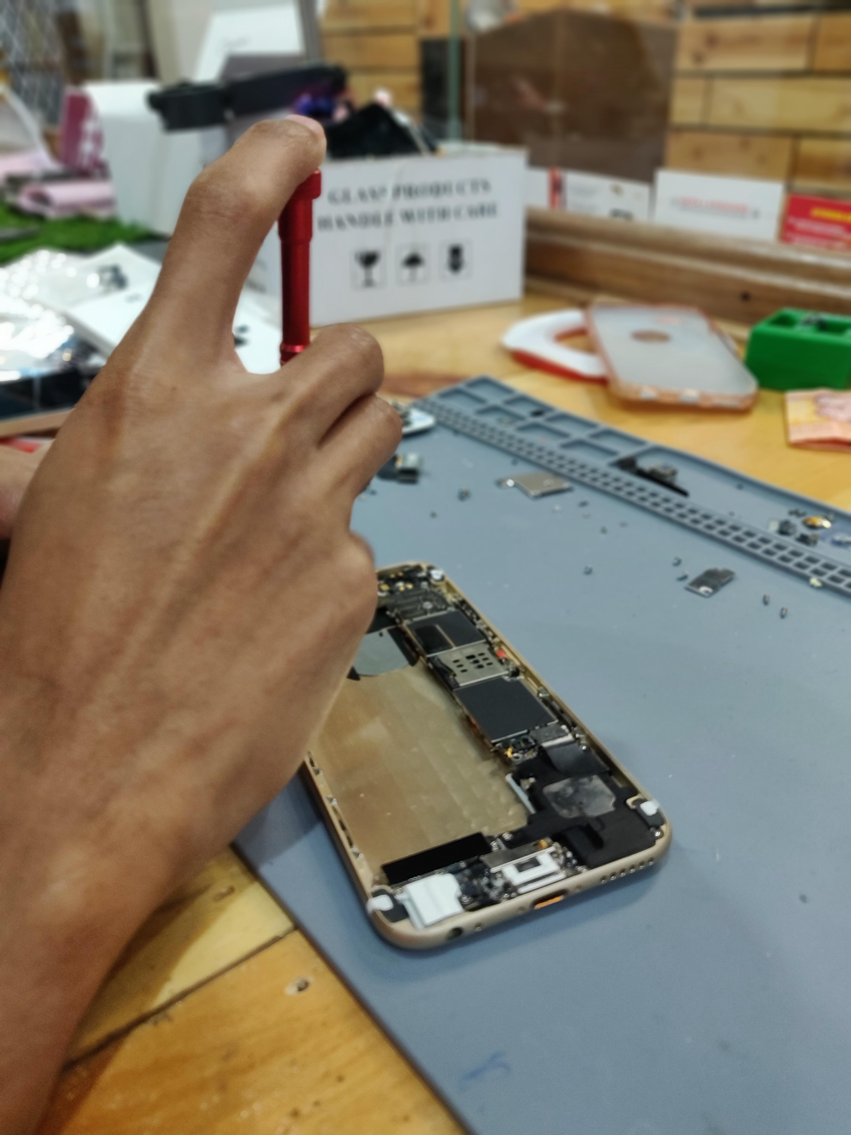Smartphone repair face-to-face bangi